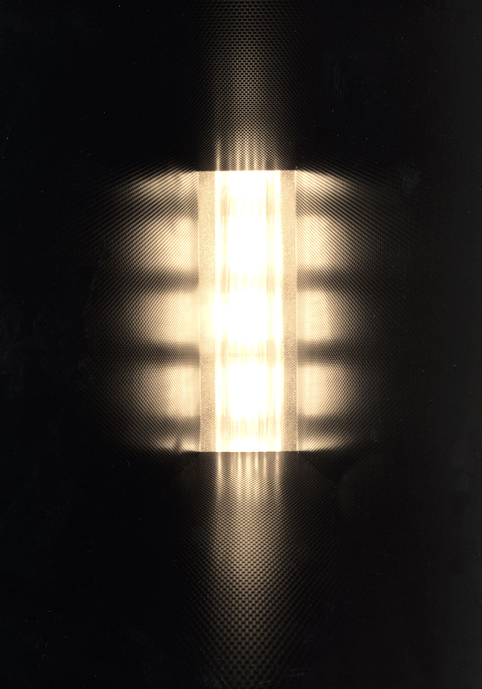A pulsating light, acompanied by a calming engine sound gave the impression of standing inside a meditative reactor.